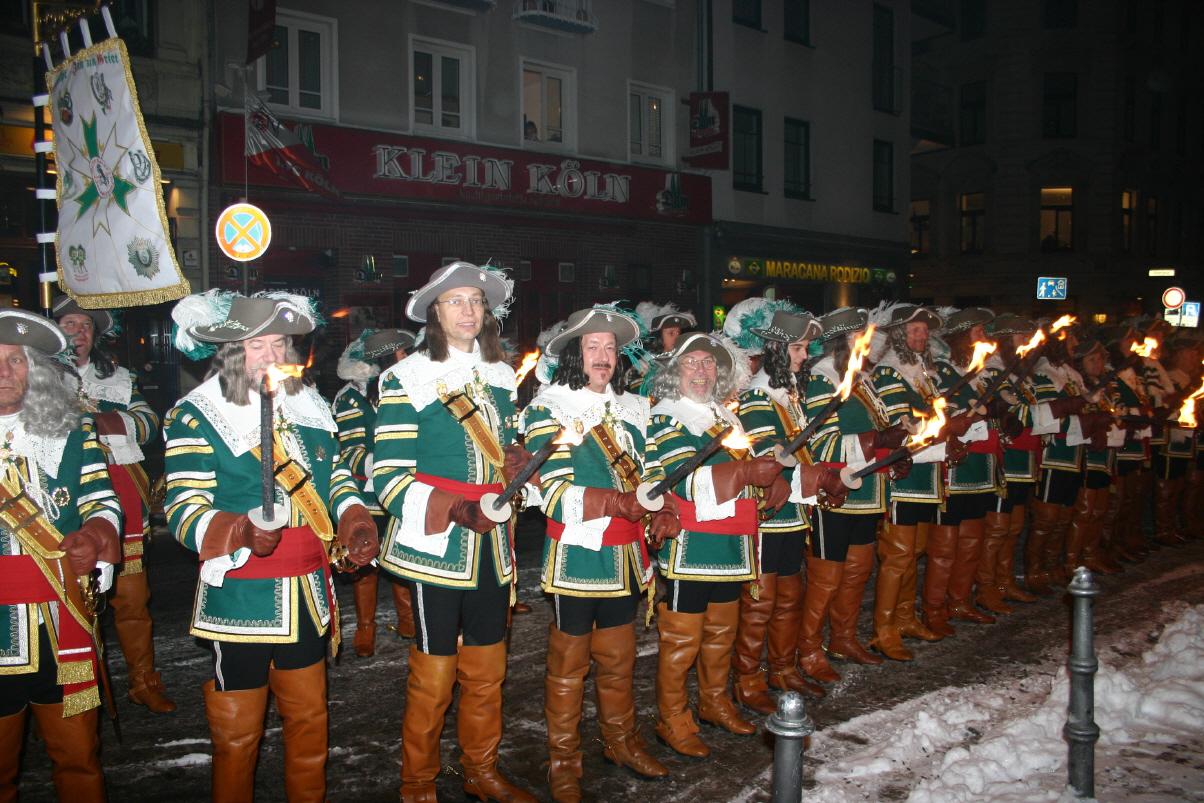 09 01 Jan Von Werth Fackelzug Zum Mercure Hotel